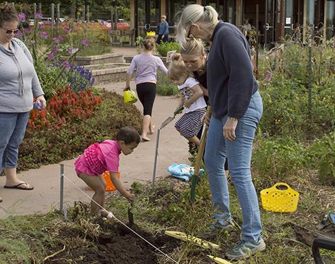 Discovery program at Tamarack Nature Center garden