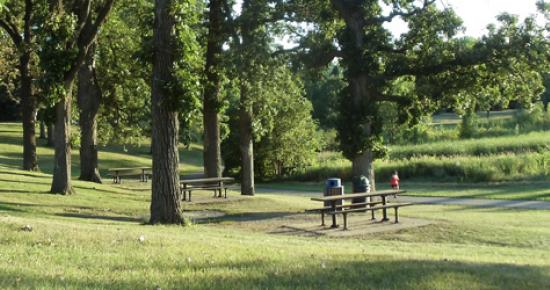 Trail and picnic table in Battle Creek Regional Park